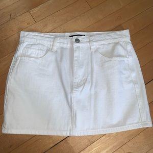 NWOT - FOREVER 21 white denim mini skirt